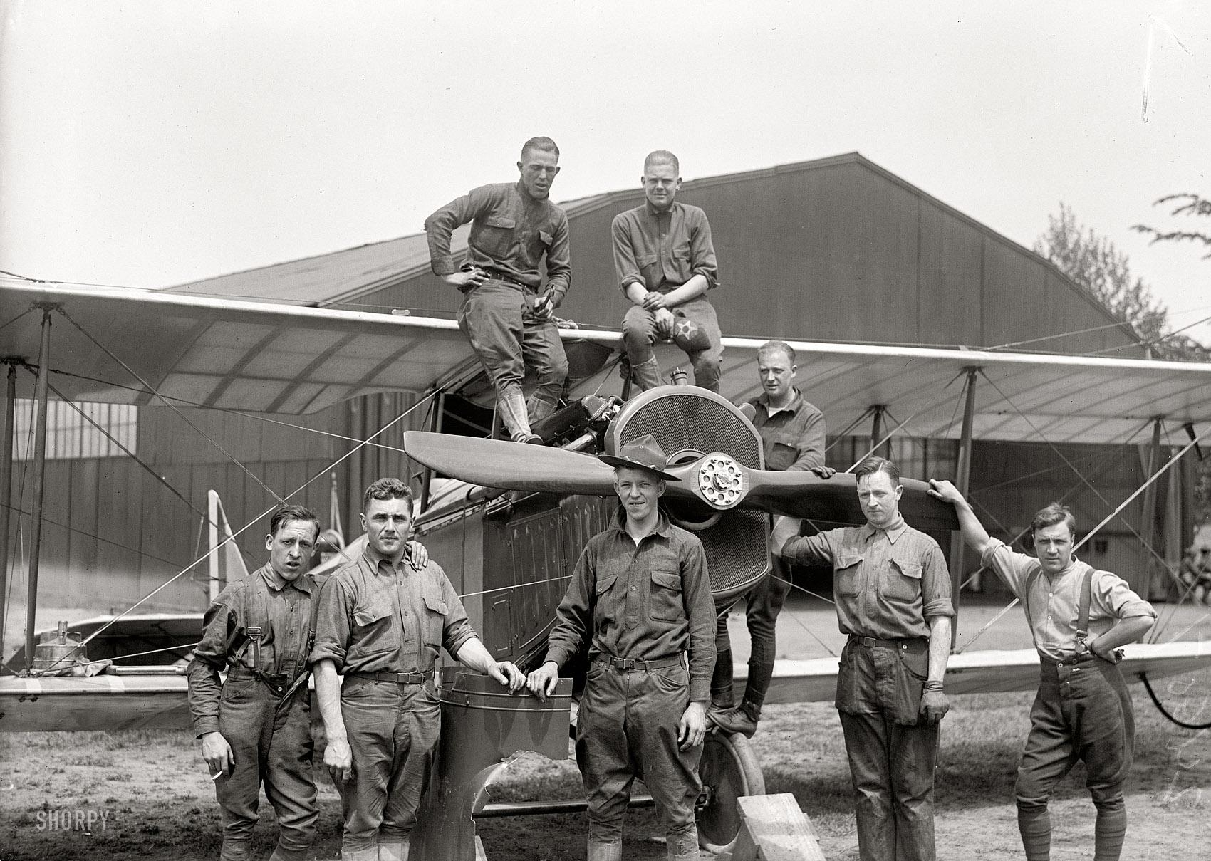 Viajar En Avión Los Hombres Que Viajan En Primera Y: Los Primeros Hombres En Volar