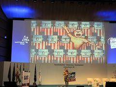 Economics Professor Noreena Hertz at CEMR 2012 in Cadiz: think differently