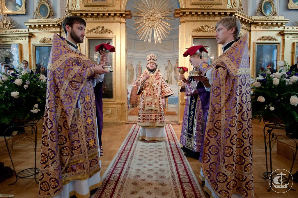 27 сентября 2012, Божественная литургия на Крестовоздвижение