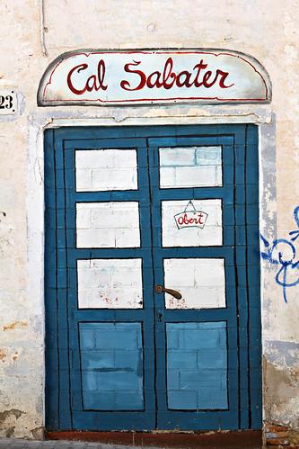 Badalona-Painted-Doors_2974