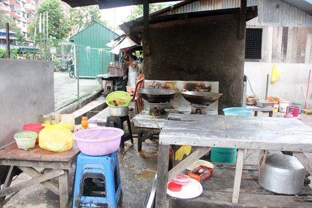 The kitchen at Lina Sea Food