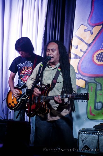 Jeck Pilpil & the Peacepipe at 70s Bistro