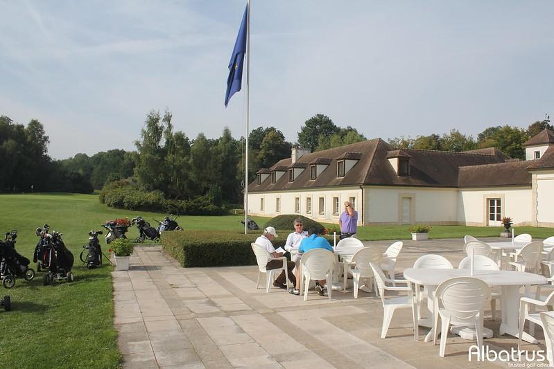 photo du golf Golf d'Apremont - UGOLF - Parking
