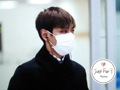 TOP Arrival Seoul from Tokyo 2015-111-03 (10)