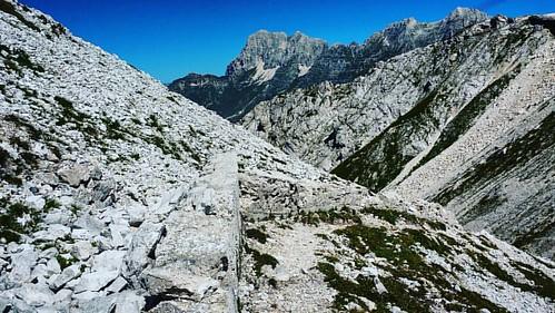 20160825 #loves_friuliveneziagiulia #montagna #mountains #montagne #ig_friuli_vg #igers_friuliveneziagiulia #ig_friuliveneziagiulia #friuliveneziagiulia #openair #alpinismo #sentiero #landscape #panorama #gray #outdoor #outdoors #mountaineering #hiking #e