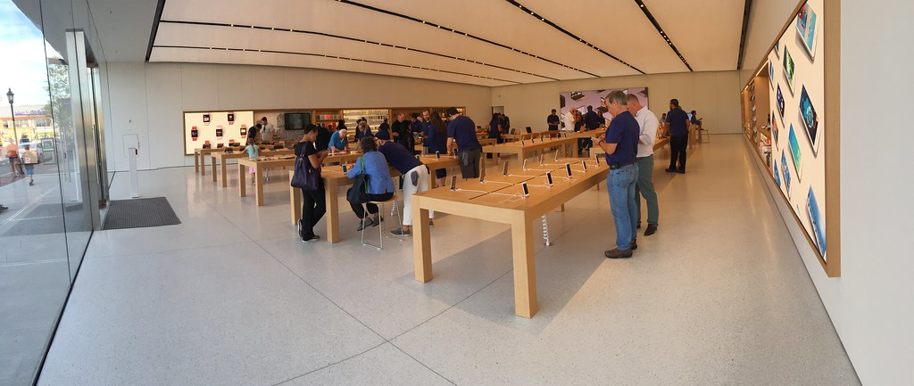 Thumbnail for Apple Store, Legacy Place, Dedham MA