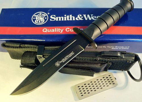 Smith & Wesson CKSUR1 Search & Rescue, 6. in. Blk Blade w/Blood Line, Nylon Sheath