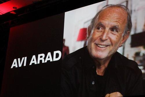 120830(1) – 電玩《潛龍諜影 Metal Gear Solid》慶祝25歲生日,將由3D立體真人版電影《攻殼機動隊》好萊塢製片人「Avi Arad」主導開拍電影版! (2/4)