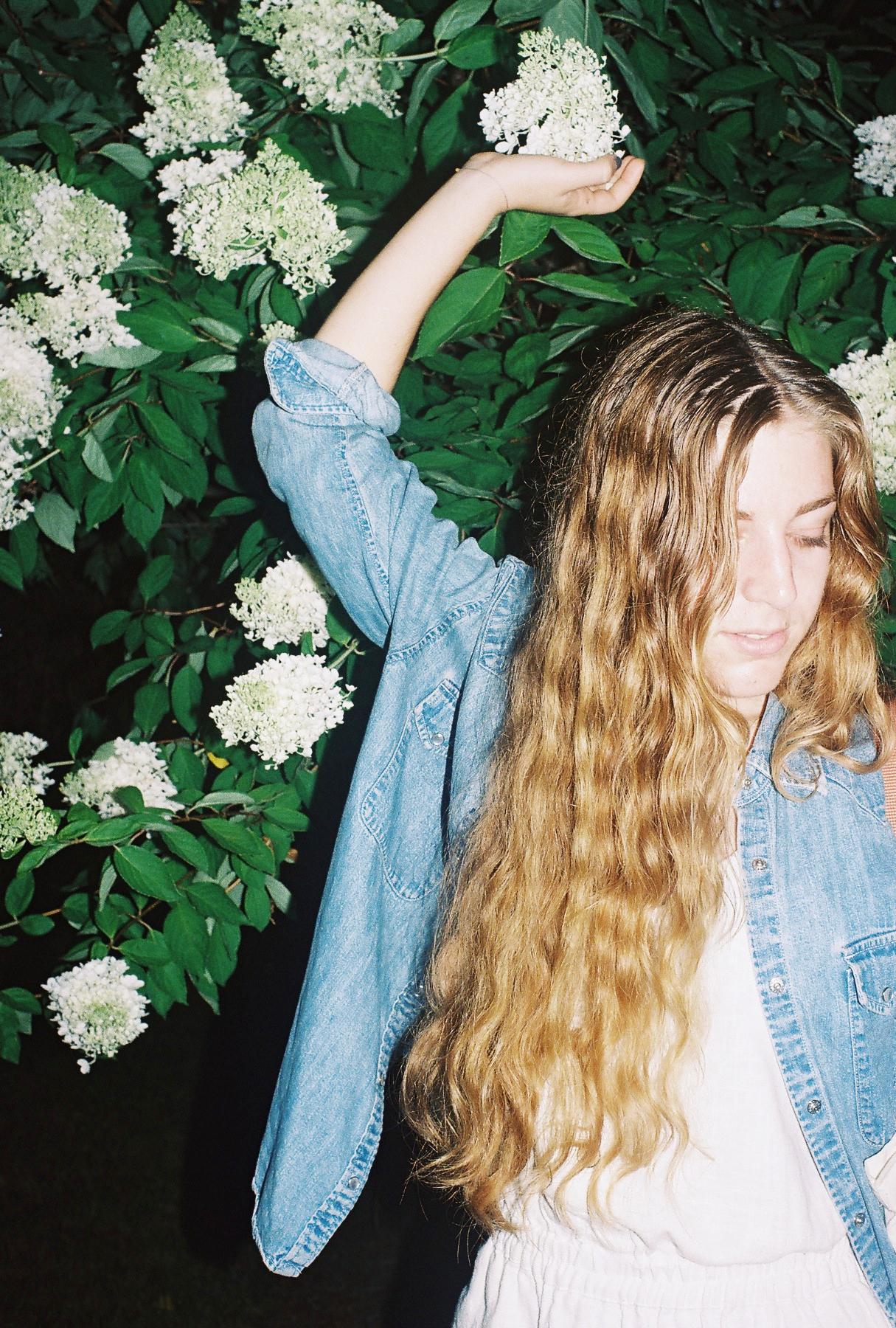 Emma's Pre-Raphaelite hair.