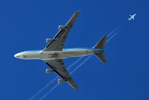 AIR TRAFFIC: KAL509 Korean Air Cargo Boeing 747 (HL7438) at FL36 from Seoul to Schiphol Amsterdam via Stockholm passing TOM436 Thomson Airways Boeing 757 (G-OOBB) at FL350 enroute from Manchester to Antalya