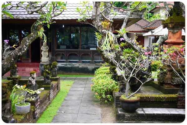 Sanur temple