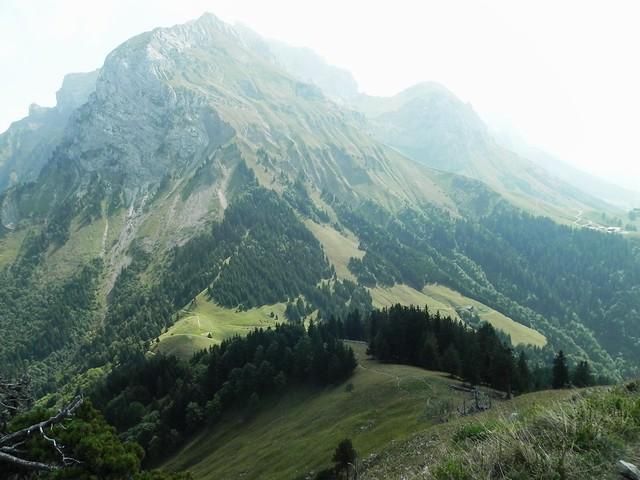La descente vers le Col des Nantets et la Tournette