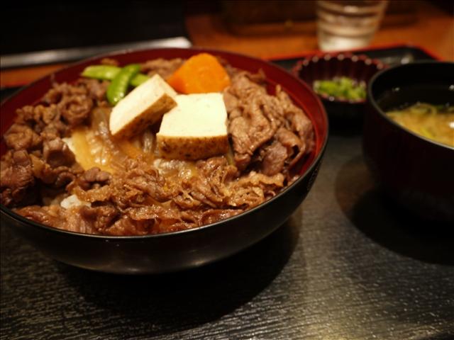 黒毛和牛 すき焼き丼@柿安 精肉 ららぽーと横浜精肉店