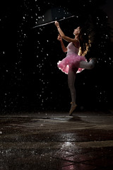 [Free Images] People, Women, Ballet / Ballerina, Dance, Umbrella, Rain ID:201209251400