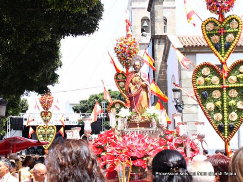 Tejina procession
