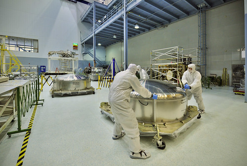 NASA's Cleanroom Receives the Webb Mirrors
