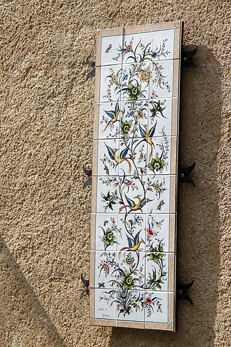 Faïence tiles decorating a house in Moustiers-Sainte-Marie
