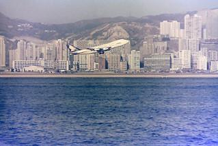 Singapore Airlines Jumbo leaving Kai Tak