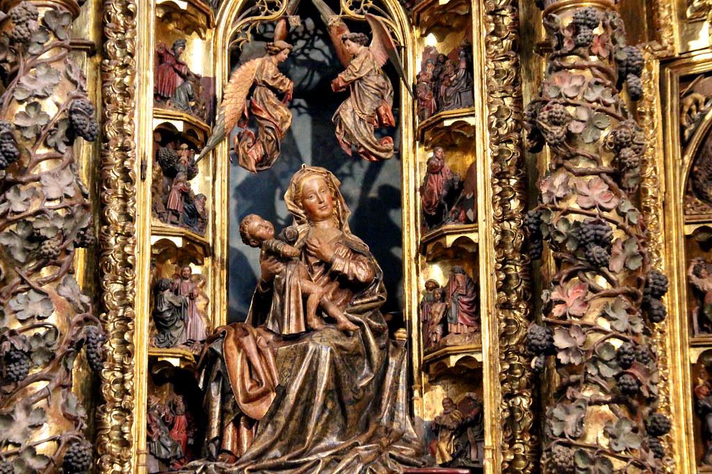 en la iglesia de Santa María de la Asunción de Laredo