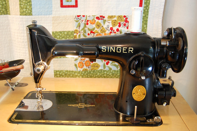Miss Sewsitall The Singer 4040 Enchanting Singer Electric Sewing Machine 66 18 Value
