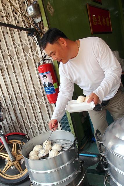 必须试着曼谷的食物:12永盛的手工蒸叉烧包吗