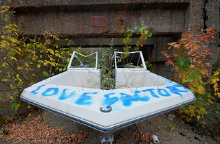 Love Factory boat
