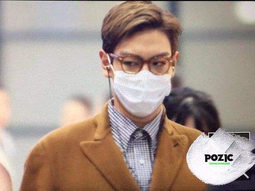 TOP Arrival Seoul 2015-11-06 pozic (2)