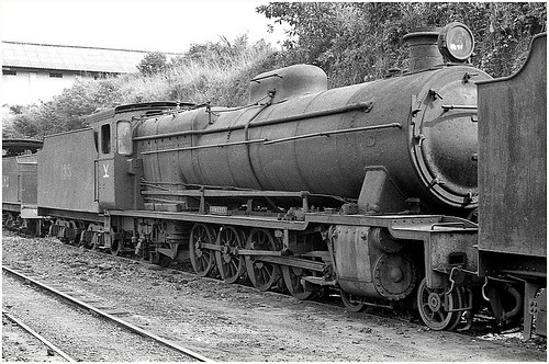 rail railway railroad transport train transportation trainspotting locomotive engine steam africa ghana 482 dunkwa vulcanfoundry dumped goldcoastrailway