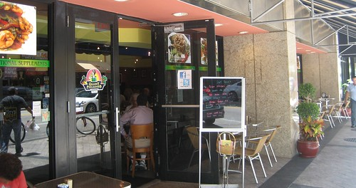 RESTAURANT IN THE HEART OF DOWNTOWN MIAMI
