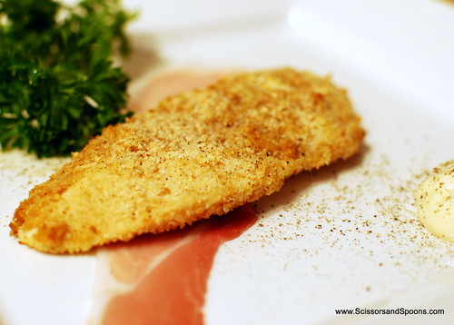 Breaded Chicken with Honey Mustard Sauce and Prosciutto