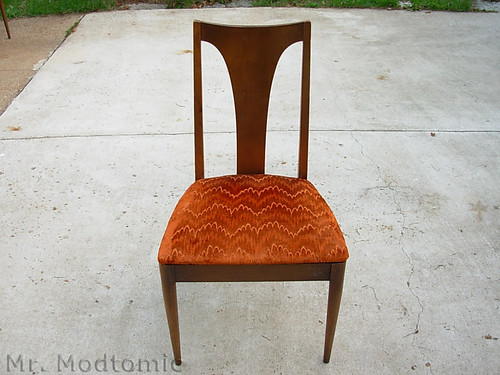 Mr Modtomic Lenoir Chair pany = Broyhill Who Knew