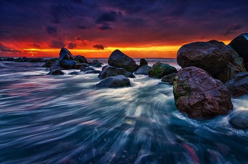 sea bali seascape storm beach water rock stone sunrise indonesia landscape xpro nikon soft day cloudy wave tokina uwa cokin wideanglelens gnd 1116mm manyar d7000 x121s