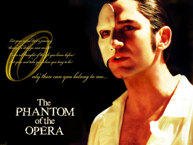 Phantom_of_the_Opera_-_Gerard_Butler_Wallpaper__yvt2