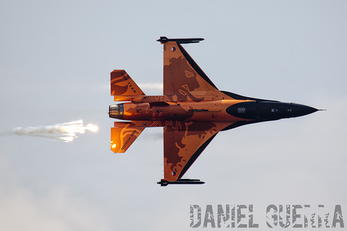 Holanda - Fuerza Aérea General Dynamics F-16AM Fighting Falcon (J-015)