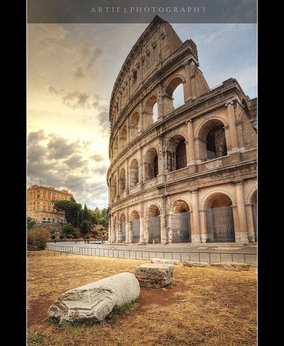 italy rome architecture photoshop canon ancient roman forum tripod amphitheatre engineering wideangle medieval structure colosseum empire imperial coliseum iconic ef 1740mm f4 hdr manfrotto artie cs3 flavianamphitheatre 3xp photomatix tonemapping tonemap 5dmarkii 5dm2