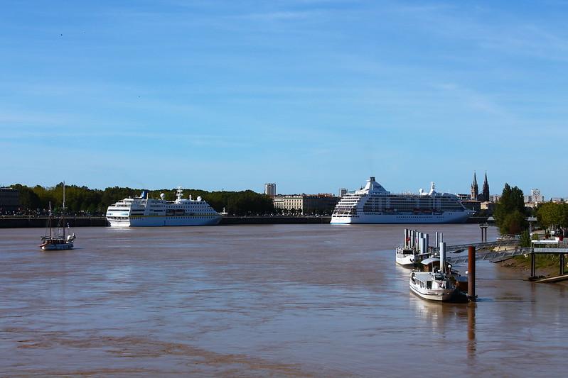 Paquebots Hamburg et Seven Seas Voyager - Bordeaux - 19 septembre 2012