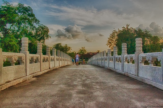 chineese-garden-bridge-hdr