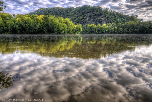 usa tree water clouds forest sunrise reflections river virginia landscapes nikon potomacriver loudouncounty tomlussier