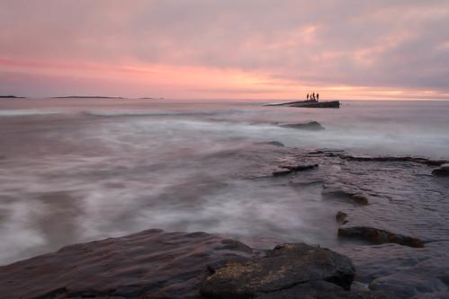 longexposure ireland sunset sea sky people sun mer water silhouette clouds soleil eau clare cloudy dusk eire ciel nuages crépuscule personnes personne irlande countyclare expositionlongue comtédeclare