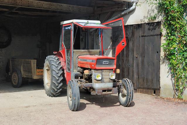 tracteur massey ferguson 152 f flickr photo sharing. Black Bedroom Furniture Sets. Home Design Ideas