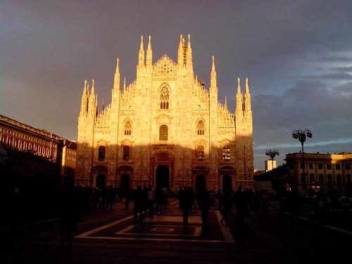 Metà Duomo by Ylbert Durishti