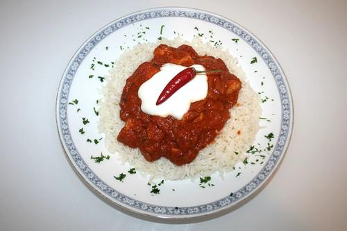 32 - Pikantes Hähnchencurry  / Zesty chicken curry - Serviert