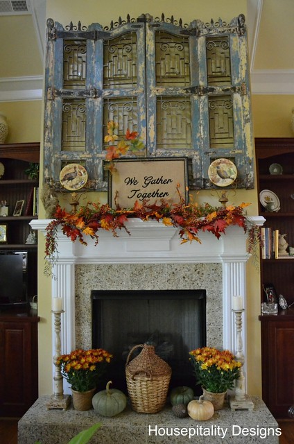 8040913977 dafa8f6e10 z Fall mantel decorating ideas {Features}