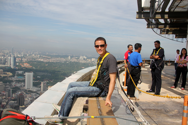 335 meters in the sky... I'm not very comfortable at ALL!