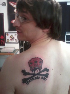 Izic the Weird's To Pirates tat, wide shot.