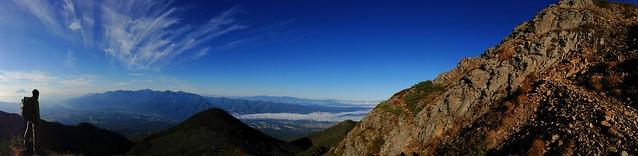 権現岳下から見る南アルプス山塊