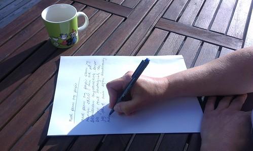 Med penn og papir