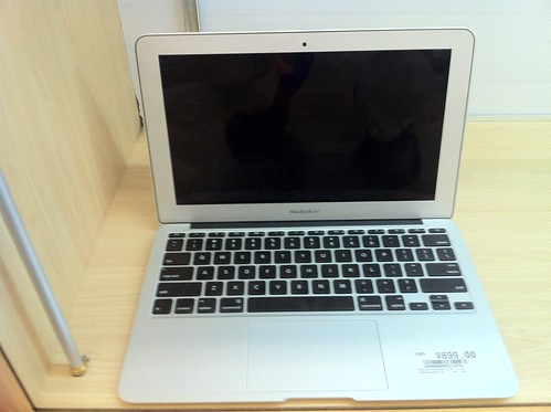 "11"" Macbook Air for $700"