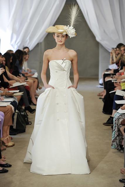 7900616452 13fe119505 z Unique 2014 Wedding Dress Trends