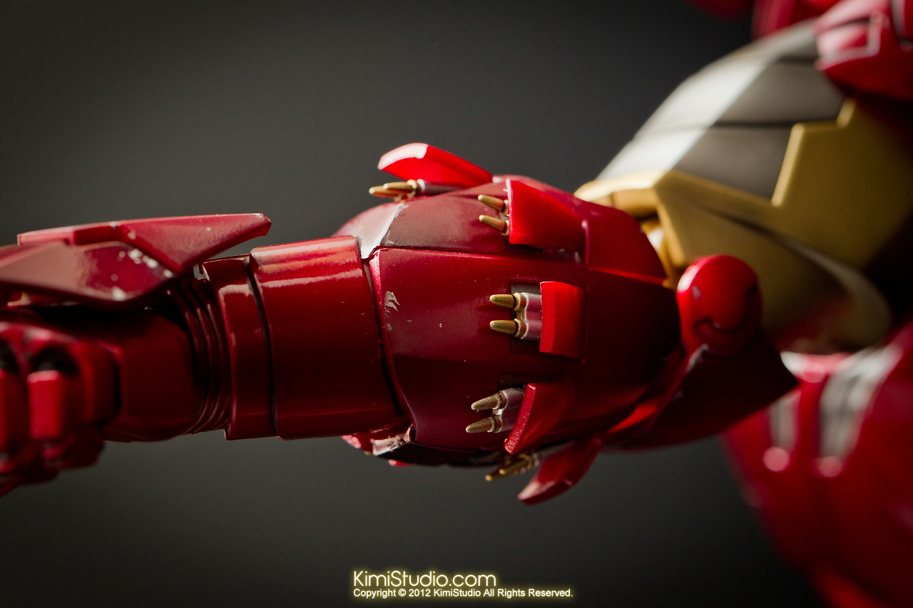 2012.09.01 Hot Toys Iron Man Mark VI-030